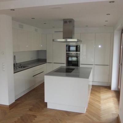 weiße moderne Küchen